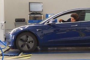 Subimos el Tesla Model 3 a una báscula: peso y distribución (22/11/2019)